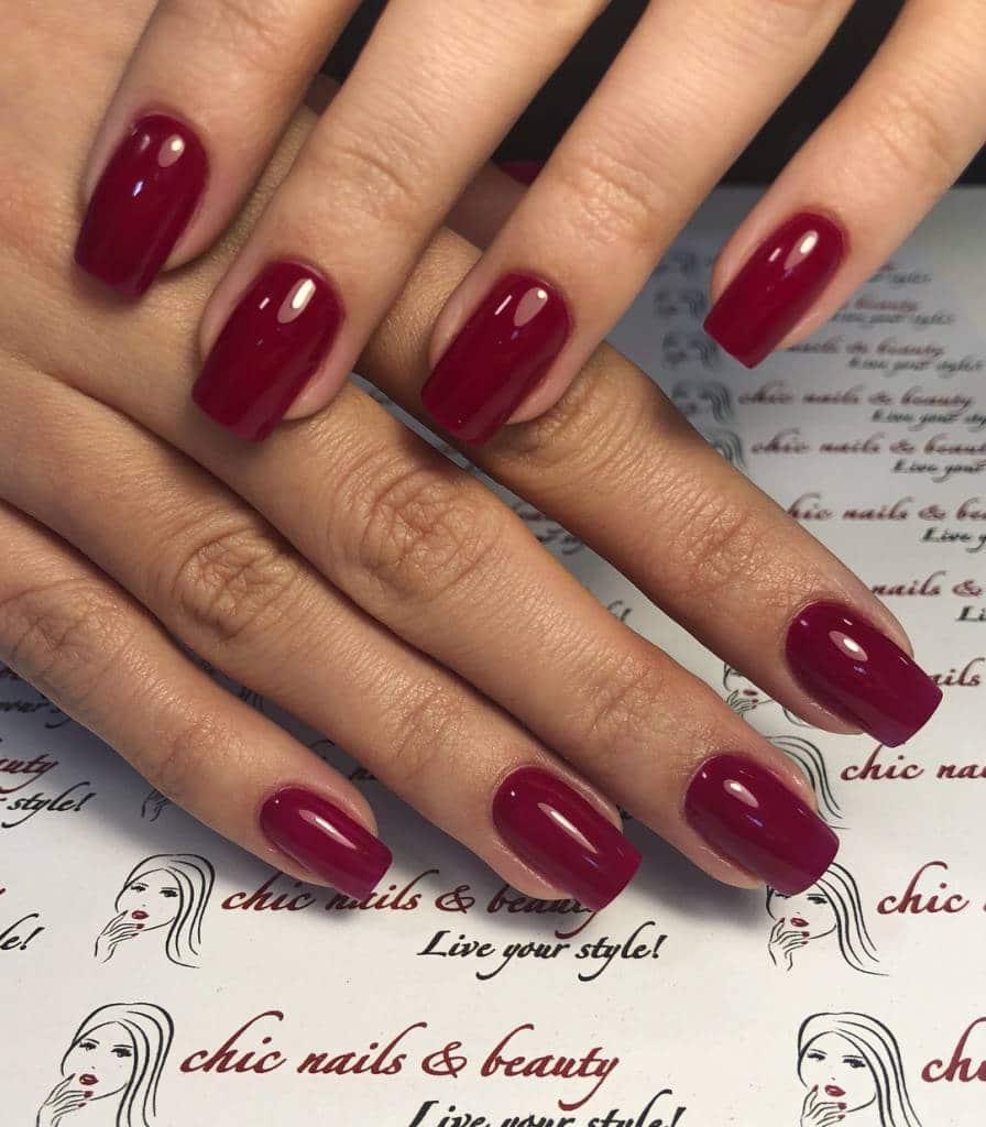 Chic Nails bietet eine breite Farbpalette an Gelnägeln