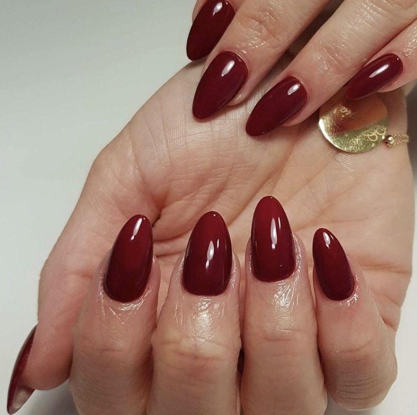 Saubere Gelfingernägel-Designs für den extravaganten Look